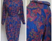 80s Vintage Big Shoulder Silhouette Dress   Blue Pink Paisley Sheath   Medium Large