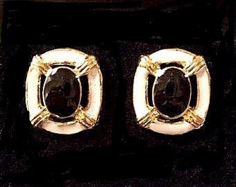 White Black Slotted Discs Pierced Stud Earrings Gold Tone Vintage Round Striped Ribbed Accents Layered Smooth Enamel