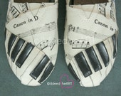 Custom Music Shoes - Piano Keys - Sheet Music - Painted Toms Shoes - Personalized Shoes - HandPainted Footwear