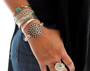 Native American inspired dots Flower Silver beaded stretch bracelets etched Antique pendant Bohemian stacking Ethnic bracelet by Inali