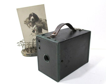 Vintage Green Brownie No 2  Model F Box Camera