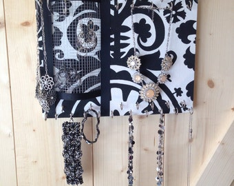 Jewel Board JEWELRY ORGANIZER by One Blessed mommie Standard- Black and White