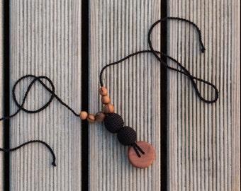 Best Babywearing Necklace - Black in All Apple Wood - Kangaroo Care
