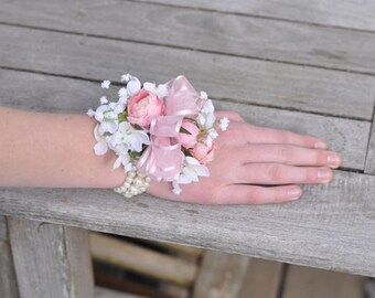 flower bracelets for weddings