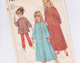 Vintage Simplicity 7371 Girls Robe & Sleepwear SEWING PATTERN from 1967 - Size 6