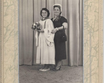 "Great 1940s / 1950s 5"" x 7"" Formal Sepia / Black & White Photo of Graduate - Graduation Girl - Professional Photographer"