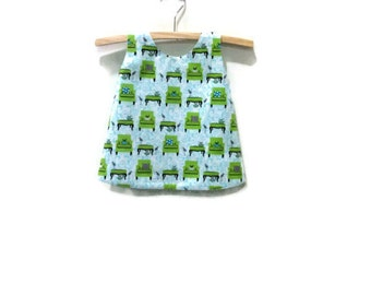 Size 000 baby pinny, girl baby birds dress, perfectly perched Laurie Wisbrun fabric, baby dress upcycled mint green lining size 0 - 3 months