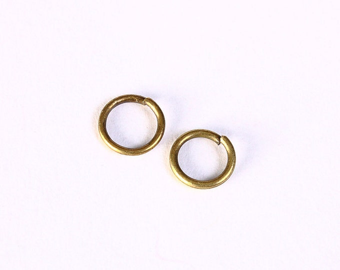 7mm antique brass jumpring round - 7mm open jumprings - round jump ring (1404) - Flat rate shipping