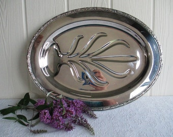 Footed Meat Platter ~ Vintage Silver Plate Wm Rogers Tree of Life Well Serving Platter Plate Tray 810 / Wedding Cottage Chic Mid Century