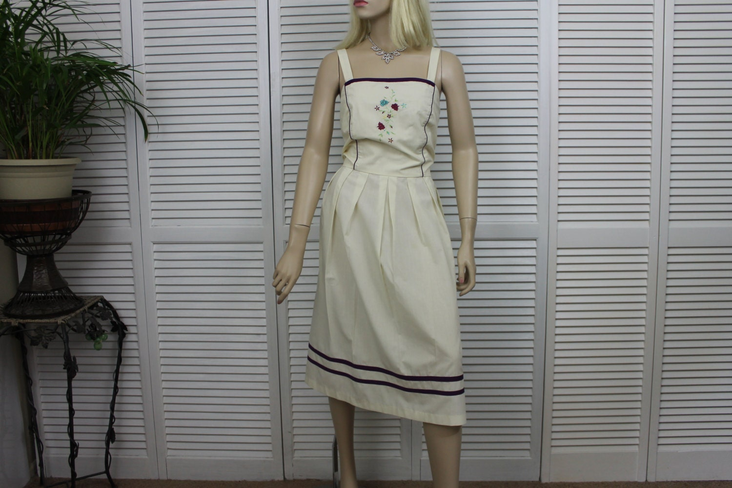 vintage pale yellow sundress size ml embroidered