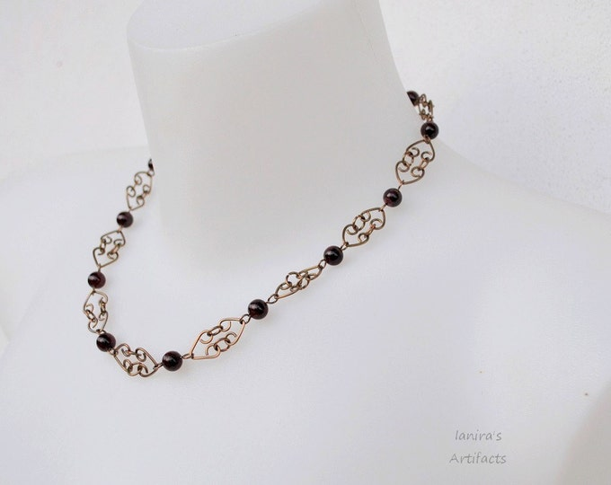 Garnet necklace ~ Handcrafted chain ~ Vintage ~ Retro jewelry