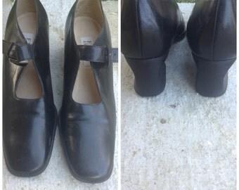 Enzo Anglioni Low Heel 'Mary Janes' Shoes, minimal, black leather, buckle closure, wood heel, U.S. 9, Greece