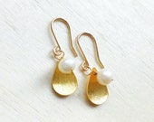 White Pearl Leaf Earrings Gold: Fresh Water Pearl 18kt gold filled wire and Vermeil Leaf