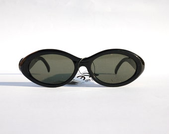 Vintage 90s Oval Sunglasses w Black Frame and amazing metal details - Cyber/Grunge/Hip Hop/Rave