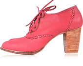LACE. Leather oxford shoes / leather lace up boots / red oxford shoes / womens oxfords. Sizes US 4-13. Available in different leather colors