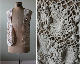 VINTAGE Cream Crochet Vest / Chunky / Nubby / Size L