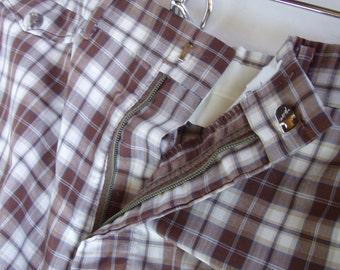Vintage Summer Shorts . Men's 70s Plaid Shorts
