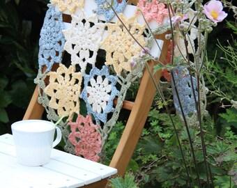 Crochet pattern flower stole