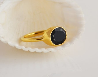 Black Onyx Ring - Gemstone Ring - Stacking Ring - Gold Ring - Oval Ring - bezel Set Ring - Birthstone ring - Christmas gift for her