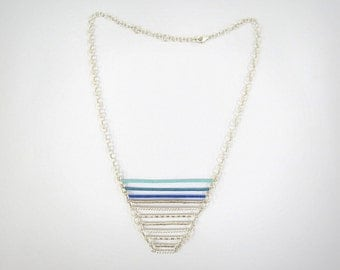 Triangle bars necklace- blue