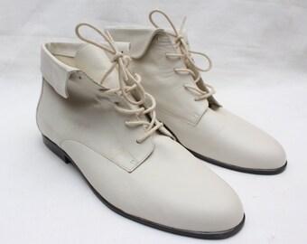 "80's Vintage ""MARIPE"" Cream Leather Ankle Boots Sz: 11 (Women's Exclusive)"