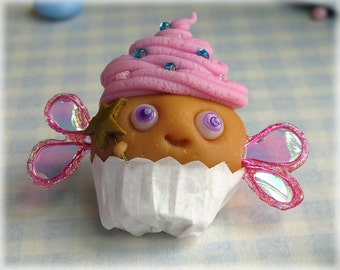 Fairy Cake Brooch Pink Cupcake Pin Badge Fimo Food Muffin Polymer Clay Jewellery
