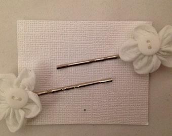 White Flower Button Bobbie Pins, Set of 2