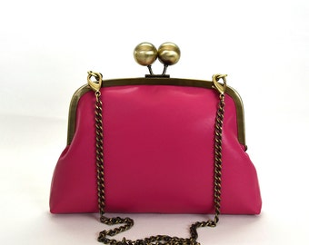 Pink leather purse clutch with chain strap / kiss lock / retro purse / pink leather / pink leather bag / daraford