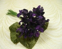 SALE Velvet Violets Millinery Bouquet Royal Purple Old Fashioned Flowers for Crafts Hats 2FN0079PU