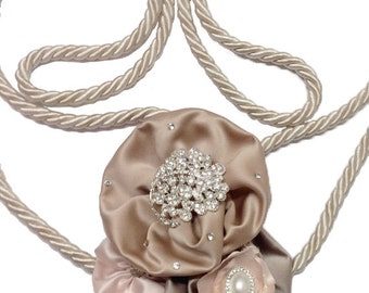 Traditional satin rope lasso, champagne lasso, with blush, dusty rose, champagne flowers and silver diamond brooches, pearls