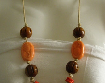 """Ethnic"" necklace made of ceramic, cotton and wood"