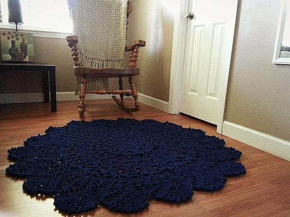 articles similaires crochet napperon tapis bleu marine boho chic tapis tapis rond tapis de. Black Bedroom Furniture Sets. Home Design Ideas
