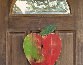Rustic Reclaimed pallet wood Apple - wall decor, Fall, Autumn, Back to school, garden decor, home decor, autumn door hanger