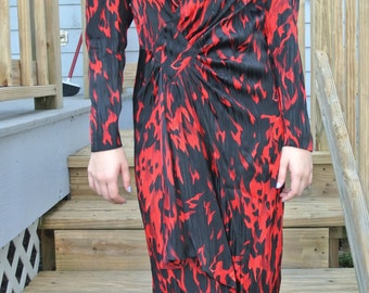 1980s Dress by Norma Walters 100% Silk Red & Black Sexy Shift Faux Wrap Sheath Size 4/S