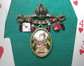 Queen of Hearts brooch - Alice in Wonderland - original illustration by Poison B. - Alice in Wonderland brooch - Alice in Wonderland jewelry