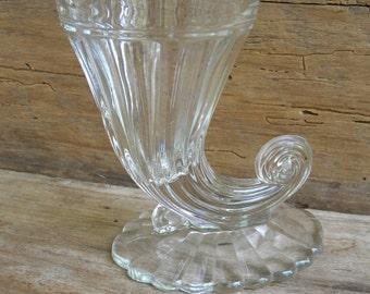 Vintage Jeannette Glass Cornucopia Vase