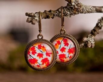 Autumn leafs earrings, antique brass earrings, dangle earrings, fall earrings, orange earrings, glass dome earrings, antique bronze earrings
