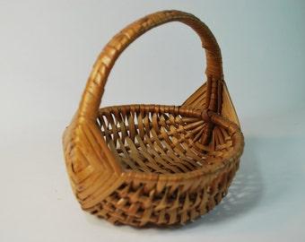 Vintage God's Eye River Cane Gathering Basket