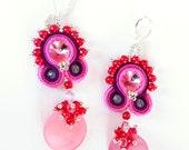Orecchini in  Madreperla Rosa e cristalli Swarovski tecnica  Soutache OOAK