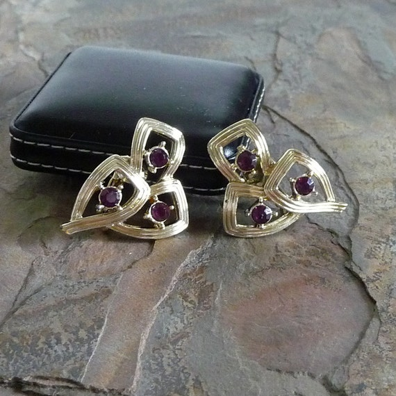 Vintage CORO Rhinestone Clip Earrings, Coro Earrings, Purple Rhinestone Earrings, Vintage Clip Earrings, Rhinestone Earrings, E010