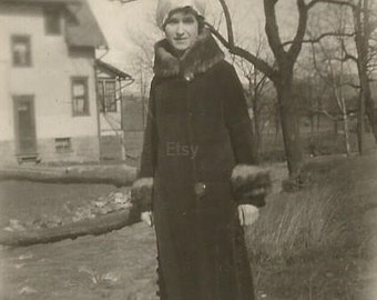 Digital Download, B&W vintage photo, Vintage picture, Woman, 1920s