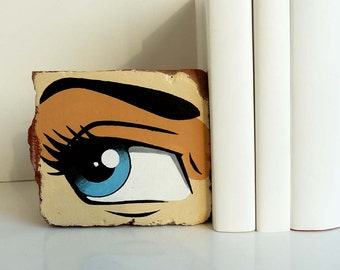 Extraordinary gift Bookend in Pop Art Retro Style, fancy gift unique hand-painted. Brick bookends, upcycling in industrial style, shelf