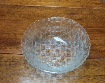Basket Weave Clear Glass Bowl ~ Etched Design ~  Fruit Centerpiece Bowl ~ Retro Kitchen ~ Serving Bowl