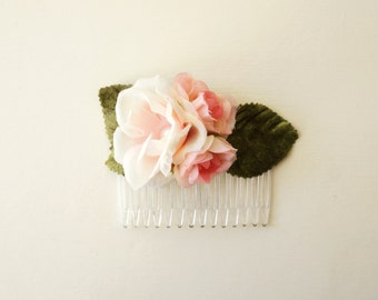 Flower hair comb, Blush hair comb, Blush bride, Flower girl, Wedding hair, Head piece, Floral headpiece, Bridal hair comb, Blush wedding