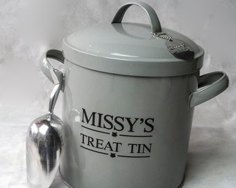 Personalised Steel Cat or Dog Treat Tin with Metal Scoop.