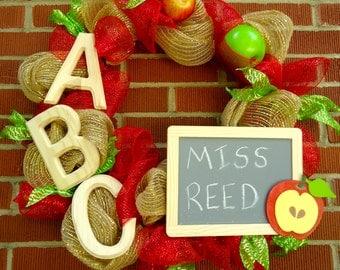 "Teacher Wreath- ""Apple of The Students Eye"" ,Teacher Appreciation, Back To School, Teacher themed gift, Classroom Decor, Teacher Gift"