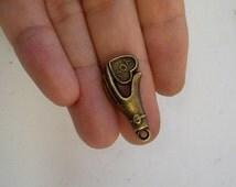 10 heart hand charm pendant bronze vintage antique tone wholesale