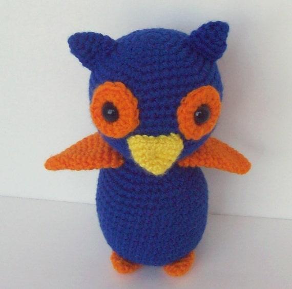 Amigurumi Owl Beak : Owl crocheted and stuffed blue and orange with gold beak.