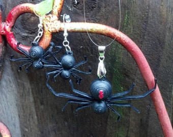 Paper Quilled Halloween Spider Jewelry - paper quilling jewelry set, Halloween jewelry set, spider necklace, spider earrings, spider pendant
