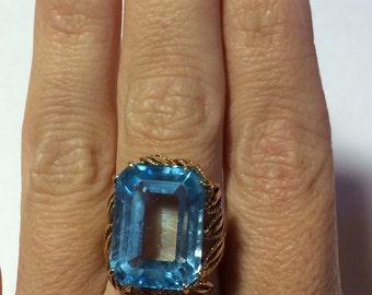 14KP Yellow Gold Blue Topaz Ring